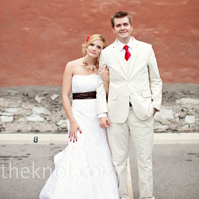 Brit &amp; Brady&#8217;s Vintage Casual Wedding in St. Louis, MO