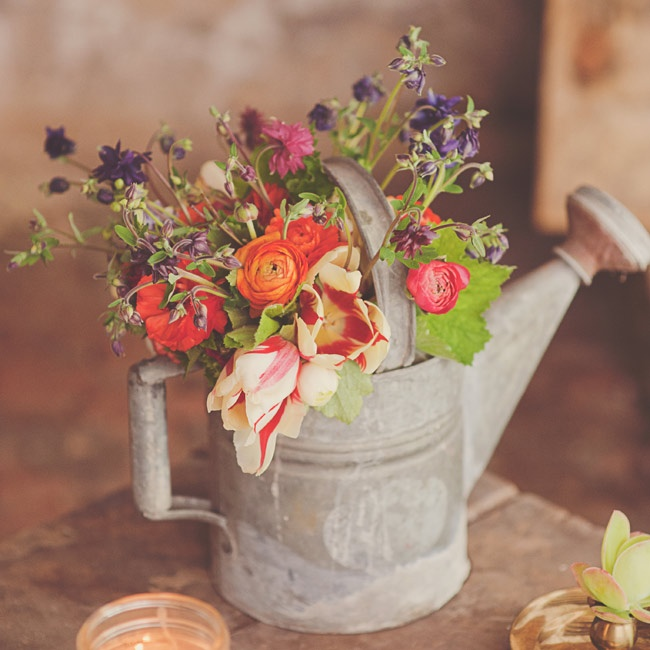 A Vintage, Charming Styled Shoot