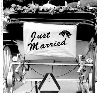 "Sandra and her father arrived for the ceremony in a horse-drawn carriage, which whisked the newlyweds away after the ""I do""s."