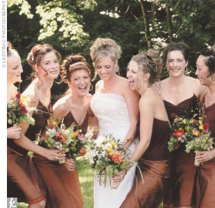 Elisa&#39;s bridesmaids wore dresses from Banana Republic.