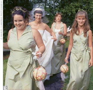 Alicia's bridesmaids wore dresses from Veronica Chiffon for the Bill Levkoff Collection.