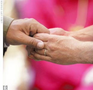 When it came time for wedding bands, the couple nodded to their ancestors again. Jennifer had a band made, this time with diamonds from Johns paternal grandmothers wedding ring, and John chose a replica of a unique antique ring design. I now wear rings with diamonds from both sides of the Christopher family, says Jennifer, and John spent the t ...