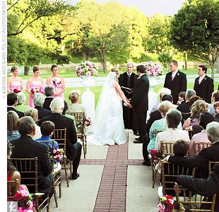 Lee and Jeffrey exchanged traditional vows in an outdoor ceremony on the front terrace of Arlington Hall, overlooking Turtle Creek.