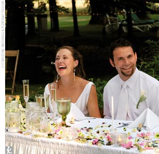 The reception was held on a shady green lawn at the nearby Cottonwood Inn Bed and Breakfast, just a few miles from the ceremony site.  We wanted things to be stylish but not stuffy, Ashley says. The Cottonwood was the perfect place.