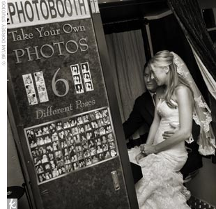 Not only did Christina Aguilera have one at her wedding, the vintage photo booth is similar to what you would see at New York's own Coney Island. What a perfect way to infuse celeb-inspiration and New York City charm.