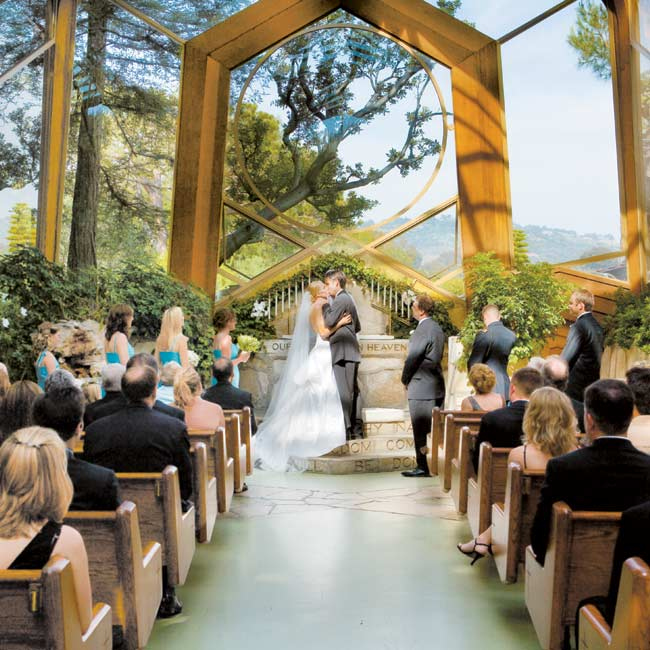 Wayfarers Chapel, made almost entirely of glass and nestled on a hill overlooking the Pacific, provided the stunning backdrop for Julie and Chris' traditional ceremony.