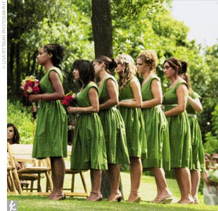 "Jennifer's seven bridesmaids wore cotton dresses in grass green from Banana Republic. ""I called my bridesmaids, asked their sizes, then went online and purchased all seven,"" Jennifer recalls."
