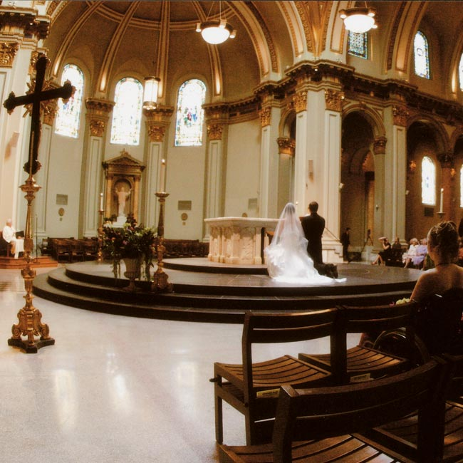 The ceremony was held in the morning at Seattle's St. James Cathedral, followed by a short breakfast reception on the steps of the church, offering guests great views of Puget Sound.