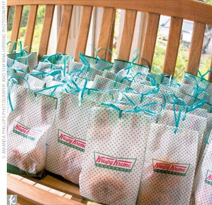 When the night was through, guests took home two Krispy Kreme doughnuts, which were tucked inside bags and tied off with aqua blue ribbon.