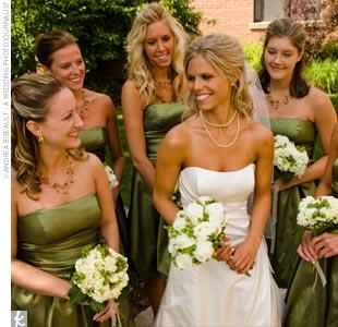 Amanda Andy A Green Wedding in Okoboji IA