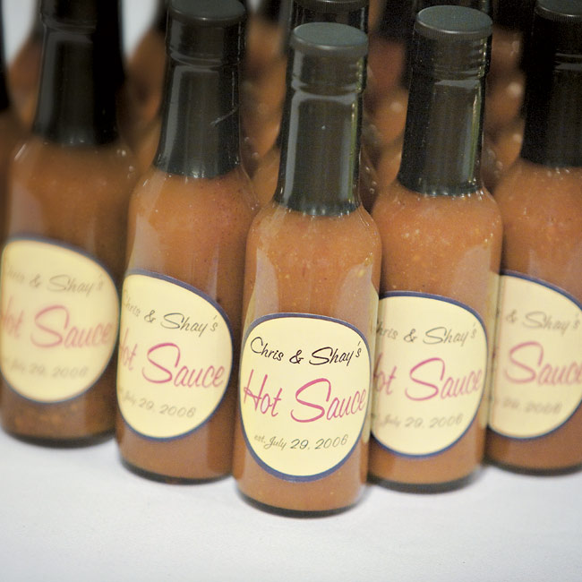 As a spicy take-home, Shayna and Chris gave their guests customized bottles of hot sauce.