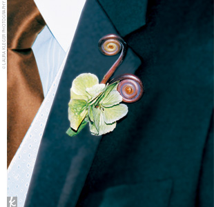 Aaron sported a cool fiddlehead fern in his boutonniere.
