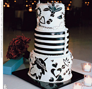 Three flavors-carrot, red velvet, and devil's food-were decorated in a graphic black and white flower design.