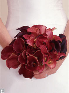 A simple selection of calla lilies makes a bold and beautiful bouquet.
