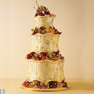 This three-tiered creation includes sugar calla lilies between the each level.