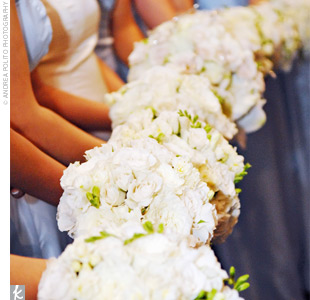Elizabeth's nine bridesmaids carried smaller versions of the bride's bouquet.