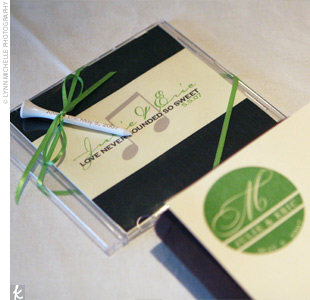 Julie and Eric gifted their guests with CDs of their favorite songs and personalized golf tees.