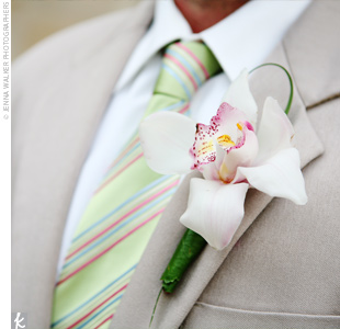 Jon and the groomsmen wore single, white, cymbidium orchid blooms.