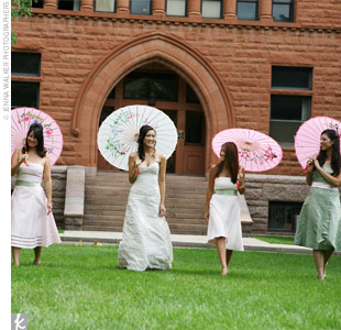 Hai's maid of honor and three bridesmaids picked their own pink or green dresses by Ann Taylor Celebration, paired with a coordinating sash. Coincidentally, they all chose strapless knee-length dresses.