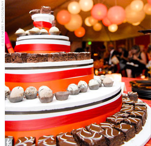 Passing on a traditional cake, the couple treated their guests to a five-tiered tower of chocolate brownies and cupcakes.