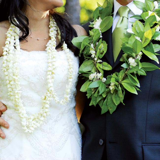 Jasmine flowers are a symbolic part of Pakistani weddings, and the couple chose to honor the tradition by wearing jasmine leis.