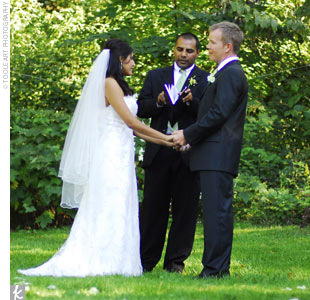 Surrounded by tall trees, the couple exchanged vows in the Peony Garden at Nichols Arboretum. Aruna's brother officiated the ceremony.