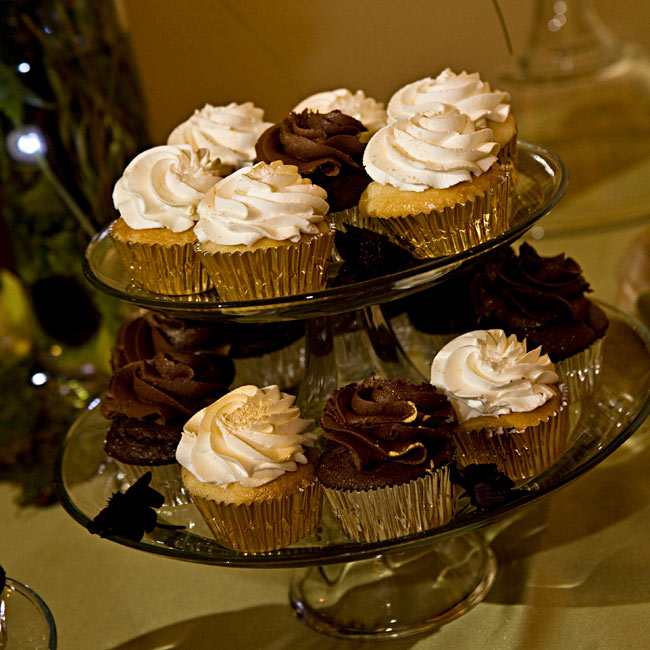 Instead of a traditional groom's cake, Todd opted for cupcakes in chocolate and vanilla. The mini desserts were dusted with an edible shimmer.