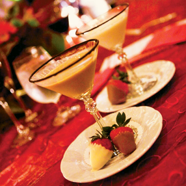 After Kellie and Sean cut their cake, guests were served a dessert course -- white or dark chocolate Godiva martinis and two chocolate-covered strawberries.