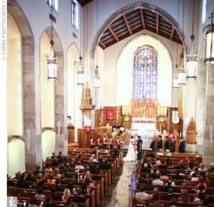 Devon and Jonathan exchanged traditional vows at the Lutheran Church of the Redeemer overlooking the midtown Atlanta skyline.