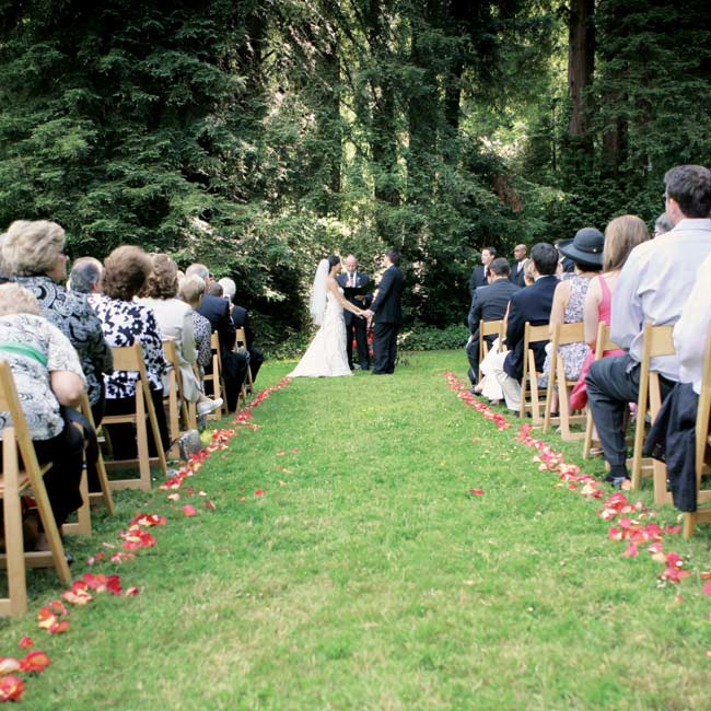 "The couple exchanged handwritten vows in a ceremony officiated by Keith's stepfather. Two of the couple's friends read poems, one to represent Stacie's Japanese heritage and another called ""Love"" by Roy Croft."