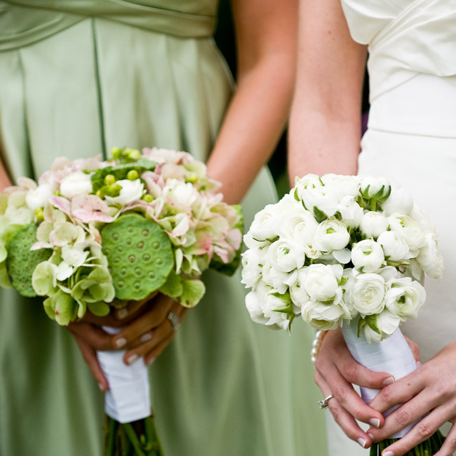 Kelly carried a monochromatic bouquet of white ranunculus wrapped with white satin ribbon. Her bridesmaids carried textured bouquets in soft green, pink, and white.