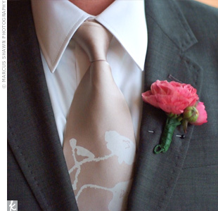 A fuchsia peony decorated Ivo's lapel and coordinated with his pink tie and cufflinks.