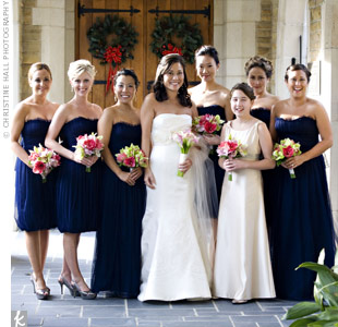 Navy Blue Bridesmaid Dress on Blue Gowns By Vera Wang  The Bridesmaids Wore A Knee Length  Bubble