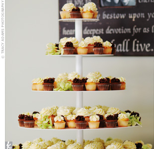 To go along with their non-traditional wedding (and because Marshall's not much of a cake-eater), the couple decided to serve vanilla, chocolate, and Key lime cupcakes. The tiered display was just as dramatic as any multi-layer cake.