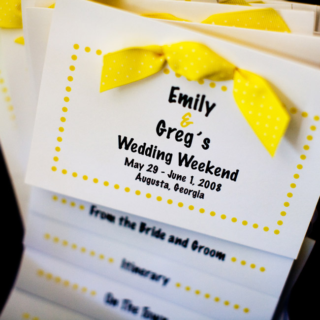 Out-of-town guests received welcome bags upon their arrival. Inside they found adorable yellow-and-white wedding itineraries along with personalized golf tees and snacks.