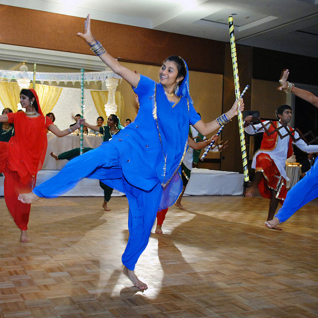 A high-energy Bhangra performance, an upbeat, Indian style of music and dance, entertained guests during dinner.