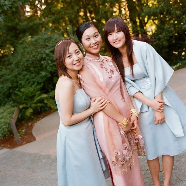 To honor her heritage, Kiki changed into a qi pao, a traditional Chinese dress, later on at the reception.