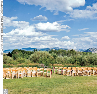 The ceremony took place on a grassy landing outdoors, overlooking the stunning Sleeping Indian, a famous picturesque mountain range in Wyoming.