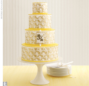 Wedding Cake Trend #7: Sophisticated Monograms
