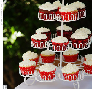 Instead of a cake, Chenin and Candice ordered cupcakes and displayed them on a simple cupcake tree.