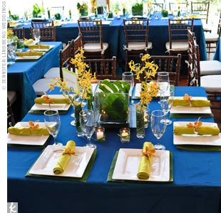 Ocean blue, silk taffeta linens with yellow and green accents played off the colors of the nearby lake, creating a relaxed atmosphere.