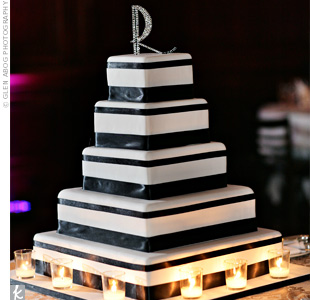Black-and-White Square Wedding Cake