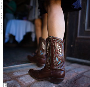 Guests accessorized their outfits with Western cowboy boots -- a perfect casual style for the laid-back location.