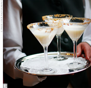 Guests sipped on key lime pie martinis—the same cocktail the bride and groom drank the night they got engaged.