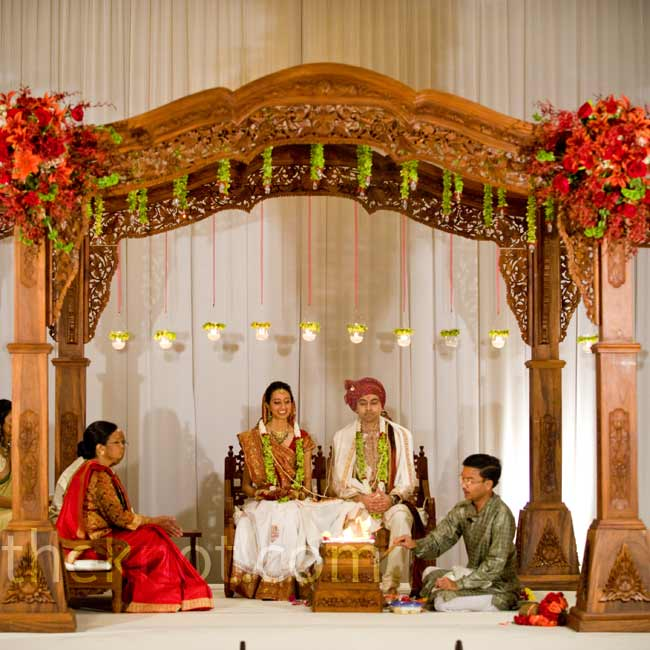Hindu Wedding Traditions: 301 Moved Permanently
