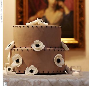Round Bloom Cake