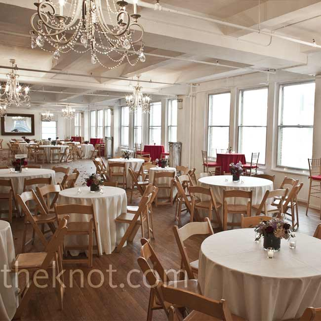The couple skipped assigning seats in favor of a more relaxed setting with open seating at different size tables.