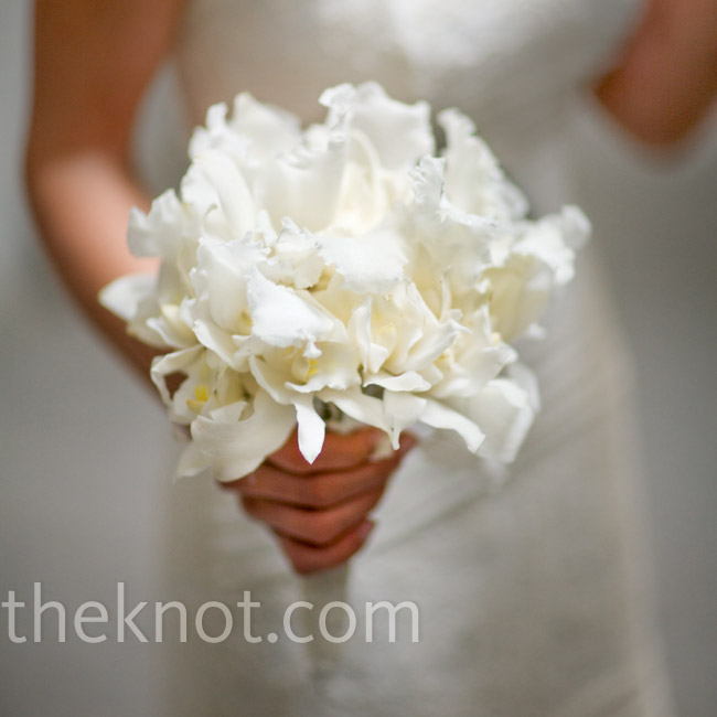 Though the all-white look was classic, orchids made Alison's bouquet feel more contemporary.