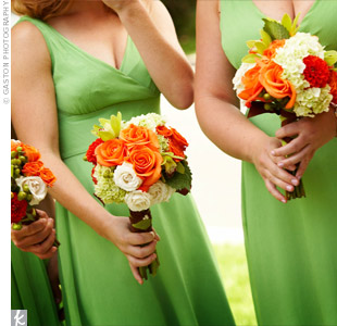 The ladies carried smaller versions of Elizabeth's bouquet, with stems wrapped in brown and cantaloupe-colored ribbons.