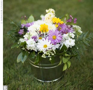 Daisy Ceremony Decor